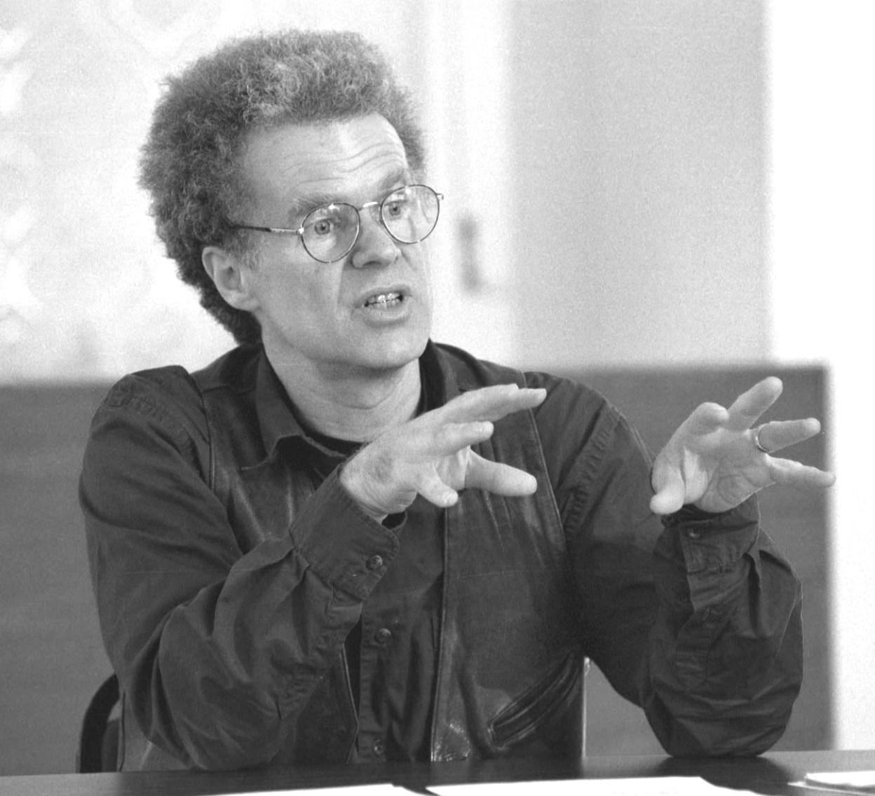 promise essay charles wright mills That aims to fulfill what c wright mills called the promise of sociology  ten  given essay topics that asked us to take a stand on arguments, texts, terms, or.